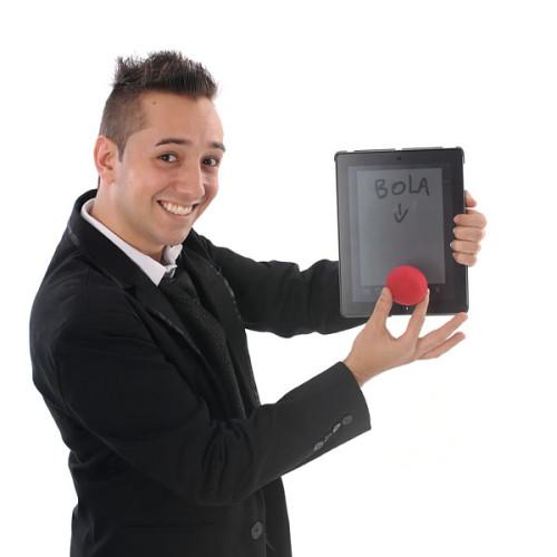 O ilusionista Gustavo Vierini.