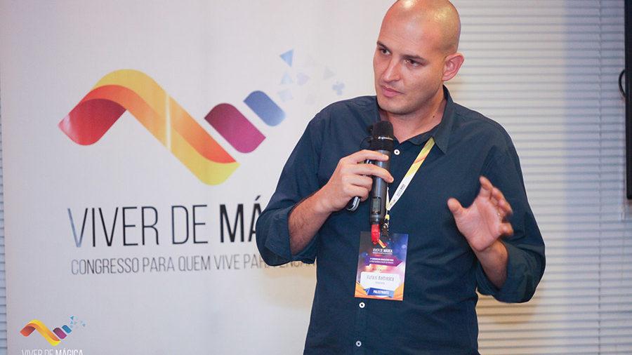 Rafael Baltresca no Viver de Mágica. (Foto: Redação)